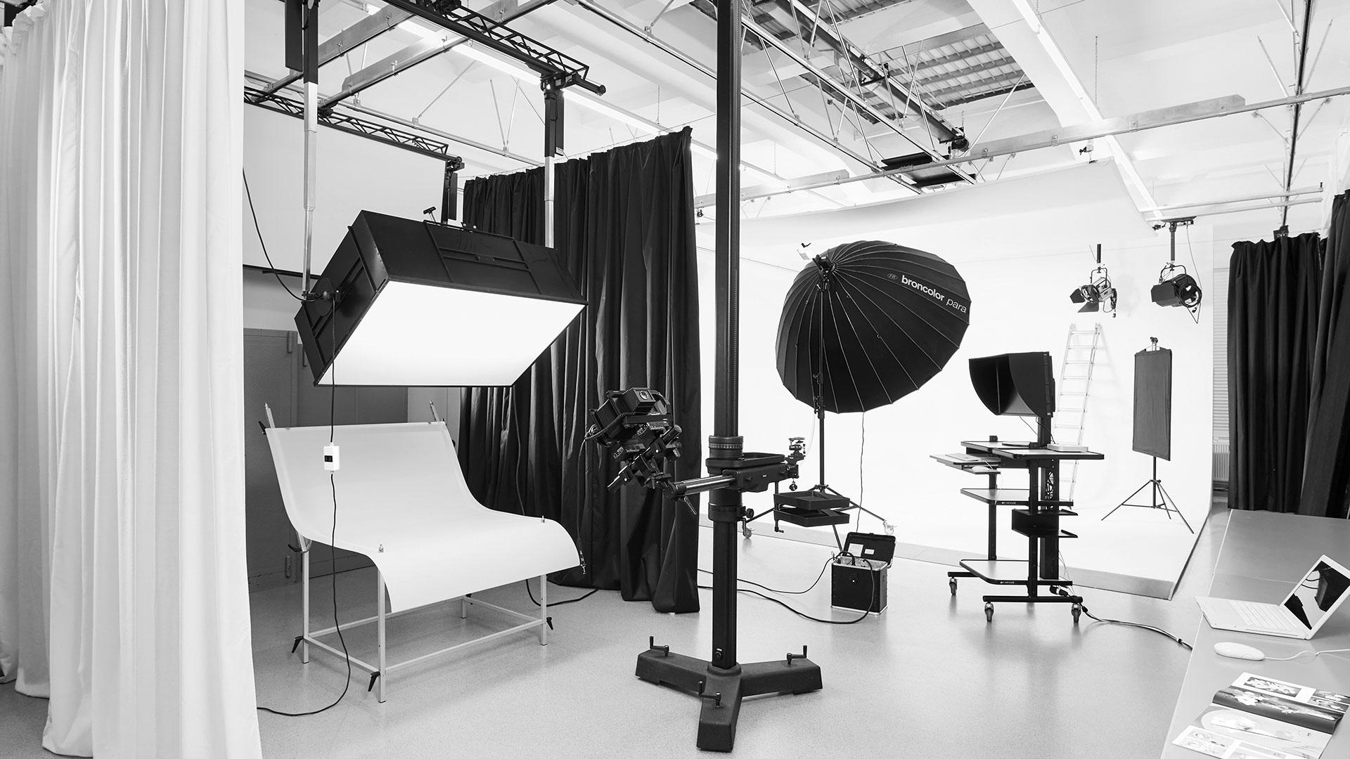 Studio Dresden mit Hohlkehle