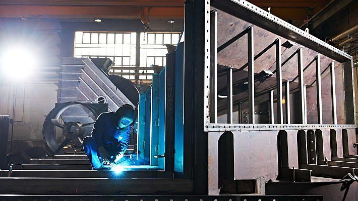 Industriefotografie eines Schweisser bei Howden