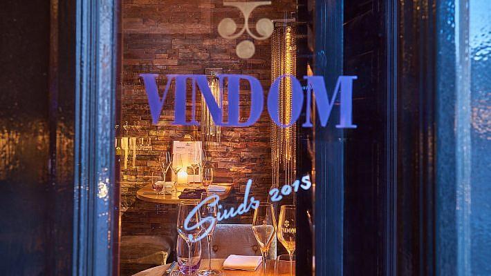 Interieurfotografie und Portraitfotografie fuer die Weinbar VINDOM